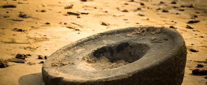 Grinding stone at Santrem Beach
